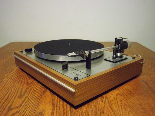 current vintage turntable offerings at vinyl nirvana steve hoffman music forums. Black Bedroom Furniture Sets. Home Design Ideas